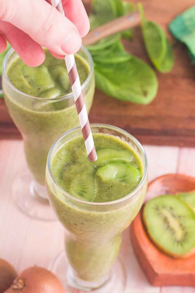 Kiwi Banana Spinach Smoothie